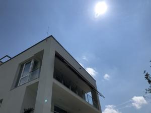 Egyedi napellenző