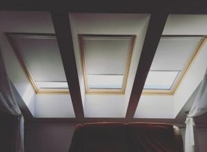 Tetőtéri lux roletta